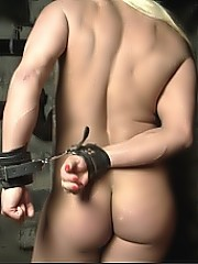Slave Lauren - she can't get out of the dungeon